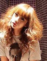 柳岩丸子头白衣亮相《从你的全世界路过》发布会 柳岩性感清新发型大盘点