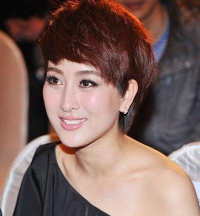 王珞丹利落短发帅气干练 明星谁的短发更能夺你眼球
