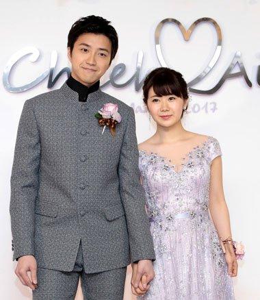 福原爱江宏杰跨国际婚礼发型 白婚纱与中山装也很配