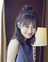 郑合惠子最爱的拍照发型 红妆浓唇更添少女风韵
