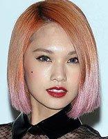 杨丞琳浅紫色染发很抢镜 细数杨丞琳二次元染发发型设计