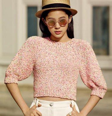 触不到的Ta欧阳娜娜长发发型 一顶帽子带动最好风格