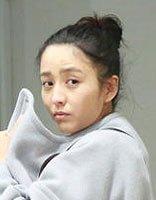 佟丽娅护宝有绝招 辣妈佟丽娅减龄气质盘发发型