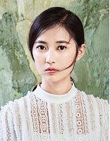 九公主陈钰琪的山水美拍 黑发更容易融于山水之间