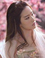 刘亦菲再演白衣仙女 飘逸长发是仙人传统