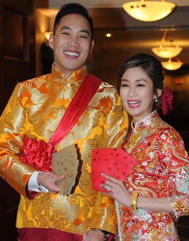 香港女演员岑丽香结婚了 新娘盘发设计美到了极致