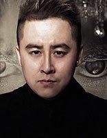刘明扬献唱新版射雕英雄传 微卷头发推出了霸气感