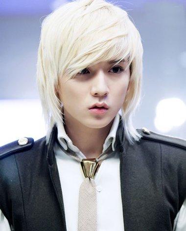 2016最流行的男生头发颜色 2016韩式男流行什么颜色头发
