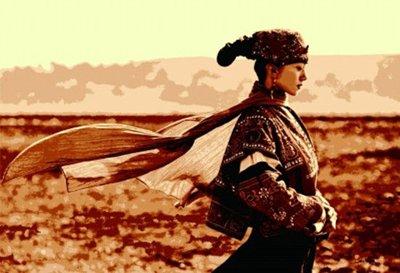 杨丽萍宝刀未老再演孔雀 杨丽萍民族风造型与发型搭配