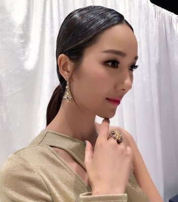 王祖蓝娇妻李亚男发型颜值高 高个女生优雅发型设计
