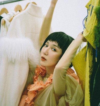 娄艺潇短发上演叛逆高冷 女明星谁的叛逆发型最个性