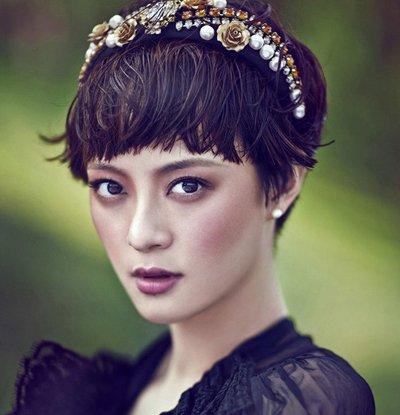 林志玲扎蝴蝶结现身可爱感爆棚 论发饰对发型的正确搭配