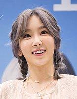 韩国女星金泰妍变身洋娃娃啦 只因空气刘海发型太仙了
