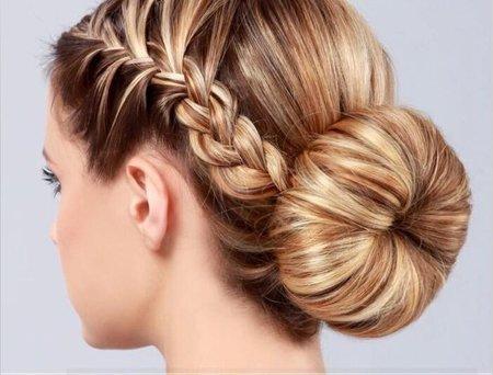 用麻花辫子盘发器盘头发 头发三股麻花辫怎么编图解