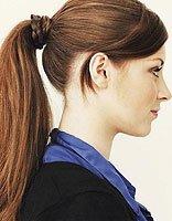 绑马尾用头发裹一圈 如何在马尾上绕头发