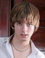 四方脸适合的发型图片 成熟男性方脸发型