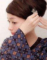 中年妇女长发简单盘发教程 中年妇女中长发简单盘头方法