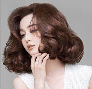 如何梳出帅气的发型 如何给自己梳发型
