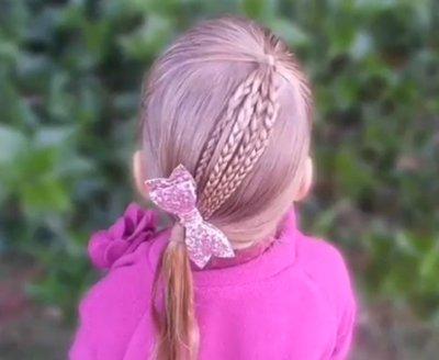 小学生的好看发型怎样梳 9岁女孩简单梳头发型步骤