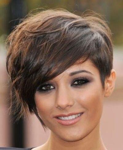 短发碎发发型怎么梳理 气质女梳的发型