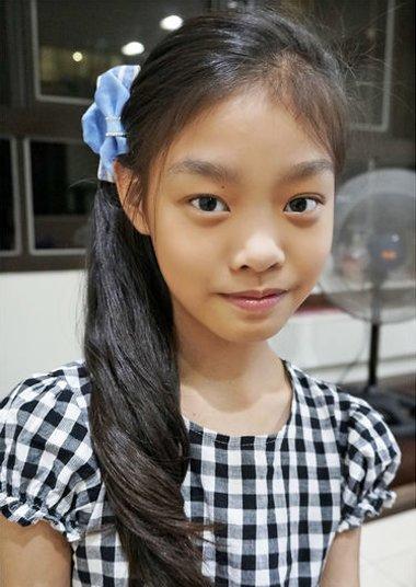 较短头发扎辫子发型图片 中短头发小孩扎辫子发型[儿童发型]-儿童发