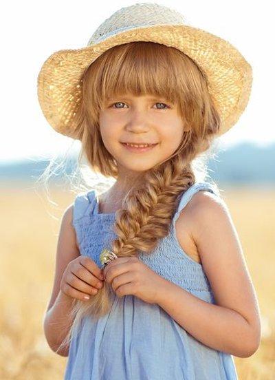 4岁孩子的长发怎么梳 小孩长发怎么梳漂亮