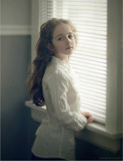 8岁的女孩子孩子长发发型图片 小女孩简便长发发型