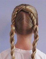 少儿梳发的方法 少儿怎样梳头好看