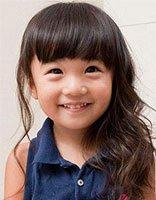 儿童卷发怎样扎头发简单好看 卷发儿童扎头发的方法