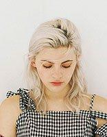 女生头发较少长发应该梳什么发型 头发少适合梳什么发型