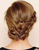 今年长头发弄什么发型 女长头发乱发型步骤