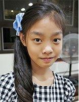 6-7岁的长发小女孩怎么扎小辫子 小女孩中长发扎发方法