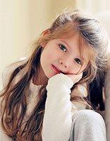 女孩长发简单烫发 可爱女孩漂亮长发造型