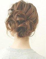 长头发冬天怎样梳 自己梳长头发梳法