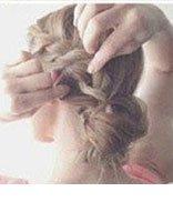 怎么样把简单的长头发盘起来 中长头发如何编盘发
