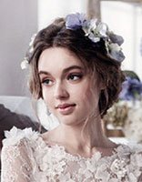 大脸适合什么头纱及发型 大脸新娘适合的发型