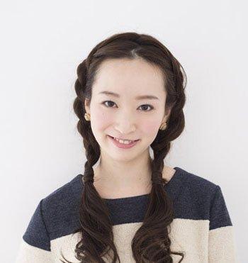 长头发简单扎发大全 14岁女孩长头发扎法图片