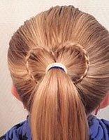 如何DIY简单发型 小学生漂亮简单发型
