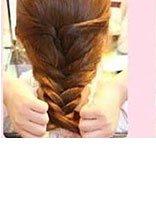 适合冬天的发型+女生 中学生冬季的唯美中发发型扎法