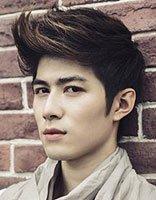 男生怎么把刘海梳上去的发型 男人发型怎么做
