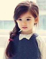 女童中长头发的扎法过程 小孩长头发怎么扎