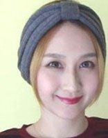 中年女性长发简单盘发技巧 中年人的中长发扎法介绍