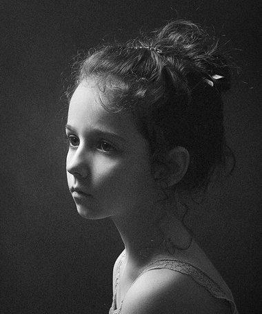 十岁小女孩的头发怎么梳才漂亮 如何梳理小女孩的长发