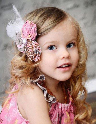 小孩怎么梳发型好看 适合六一梳的简单发型图片