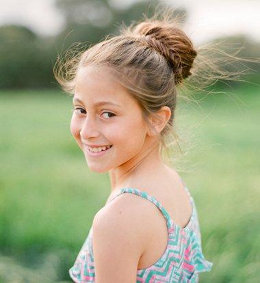 小女孩漂亮发型梳法步骤 10岁长头发女孩梳头发型有哪些