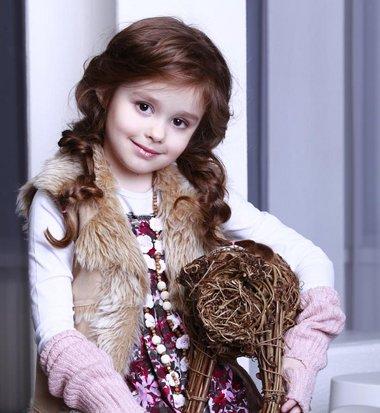 梳各种儿童发型 儿童即简单又好看的梳头发型
