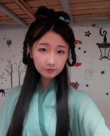 少女古典发型梳法 初中女生给自己梳的少女发型
