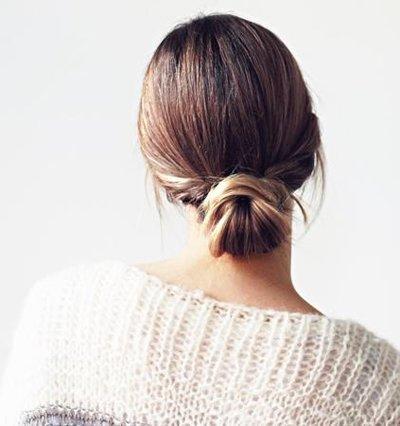 最简单中年女性中长发盘发发型 中年女士长发盘发过程