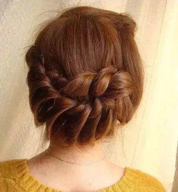 头发少的长发适合什么发型 长头发 发丝少的各种发型扎法步骤图片