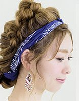 卷发的各种盘发步骤 简单卷发盘发方法